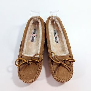 NEW Minnetonka Britt Trapper Slipper  Size 5